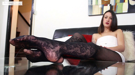 Beautiful Pantyhosed Coed