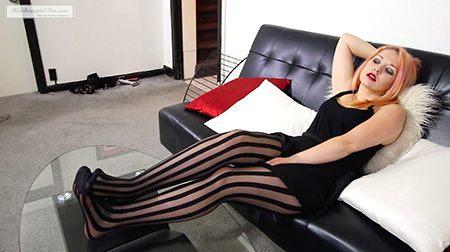 Cute Coed in Sheer Pantyhose