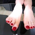 wide beautiful nailbeds