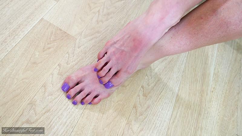 beautiful long toes