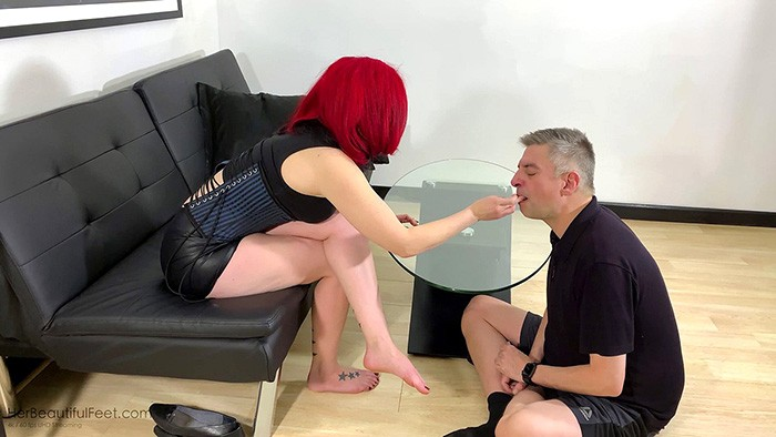 fetish toenail eating
